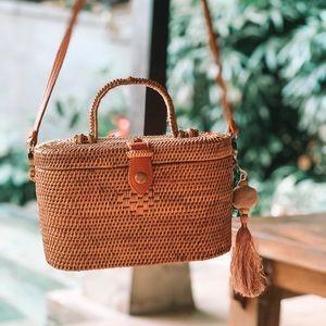 Bali Rattan Bag + 2 Pom-Poms!!
